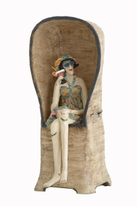 Vrouw strandstoel keramiek